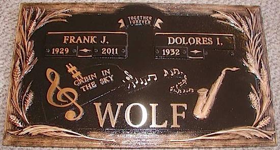 bronze-wolf
